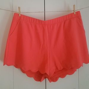 Plus Size Scalloped Coral Shorts